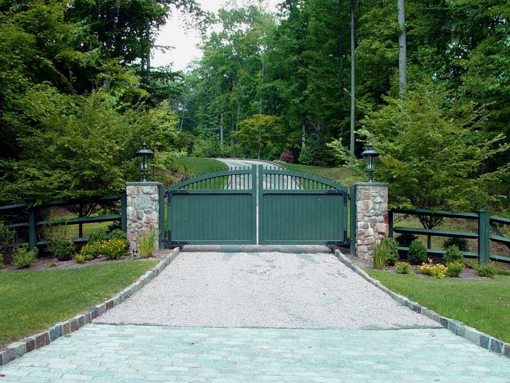 Wildlife Deterrents For Your Driveway Gate Tri State