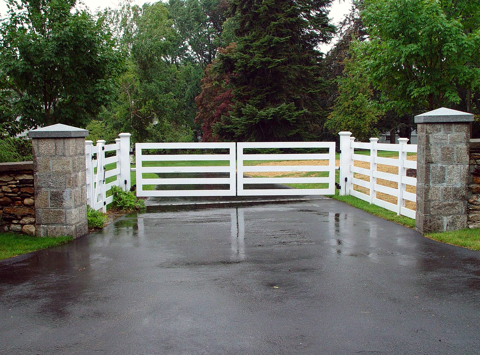 modern%20farmhouse%20gate%20design - 27+ Modern Simple Gate Design For Small House Pictures