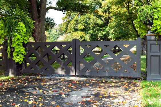 Transitional wooden gate by Tri State Gate