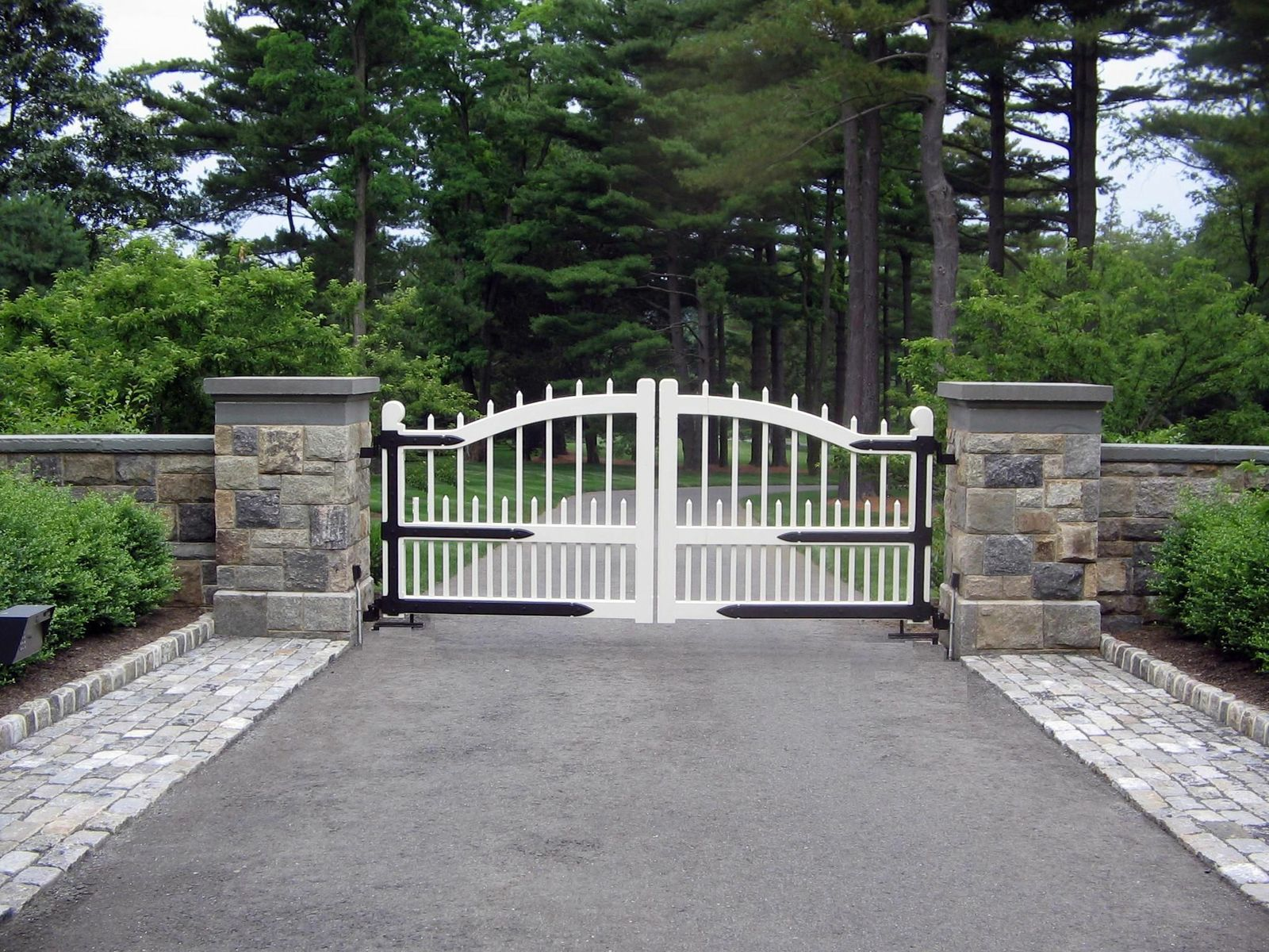 how to make a wooden gate for a driveway