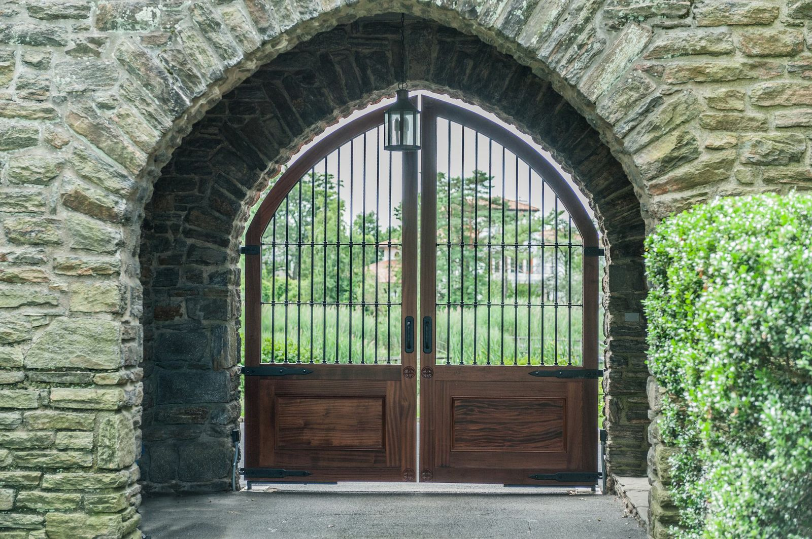 Custom designed driveway gates tri state gate for Wooden driveway gates designs