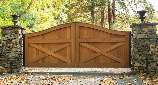 Ranch Style Cedar Wood Swing Gates