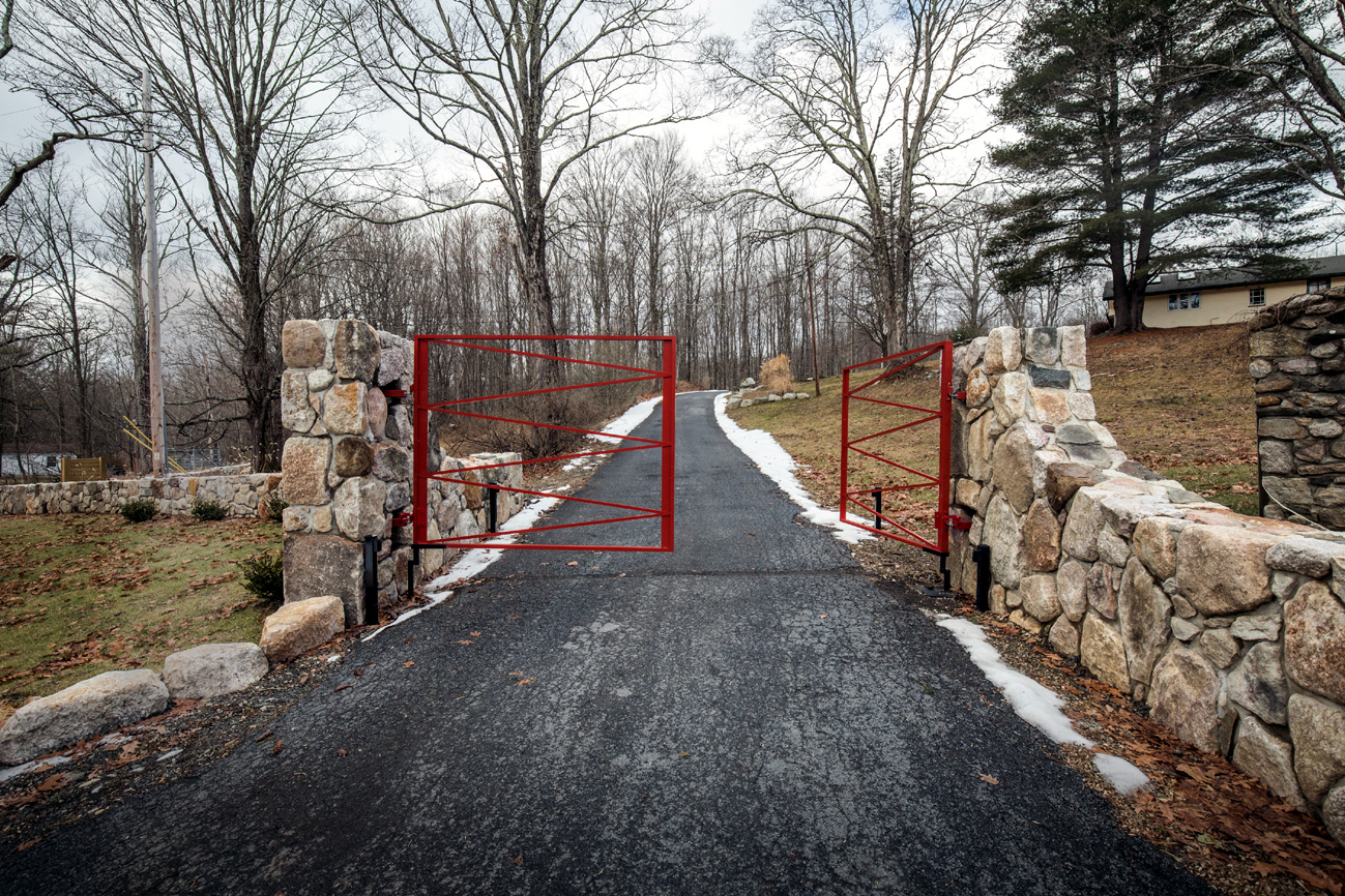 Custom designed driveway gates tri state gate for Ready made driveway gates