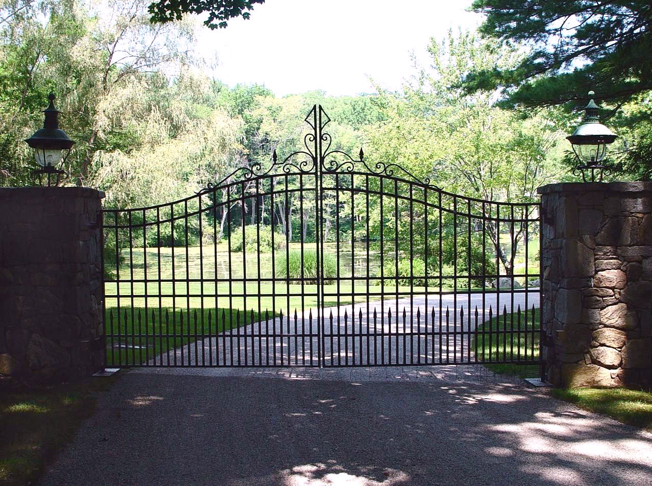 iron driveway gates tri state gate. Black Bedroom Furniture Sets. Home Design Ideas
