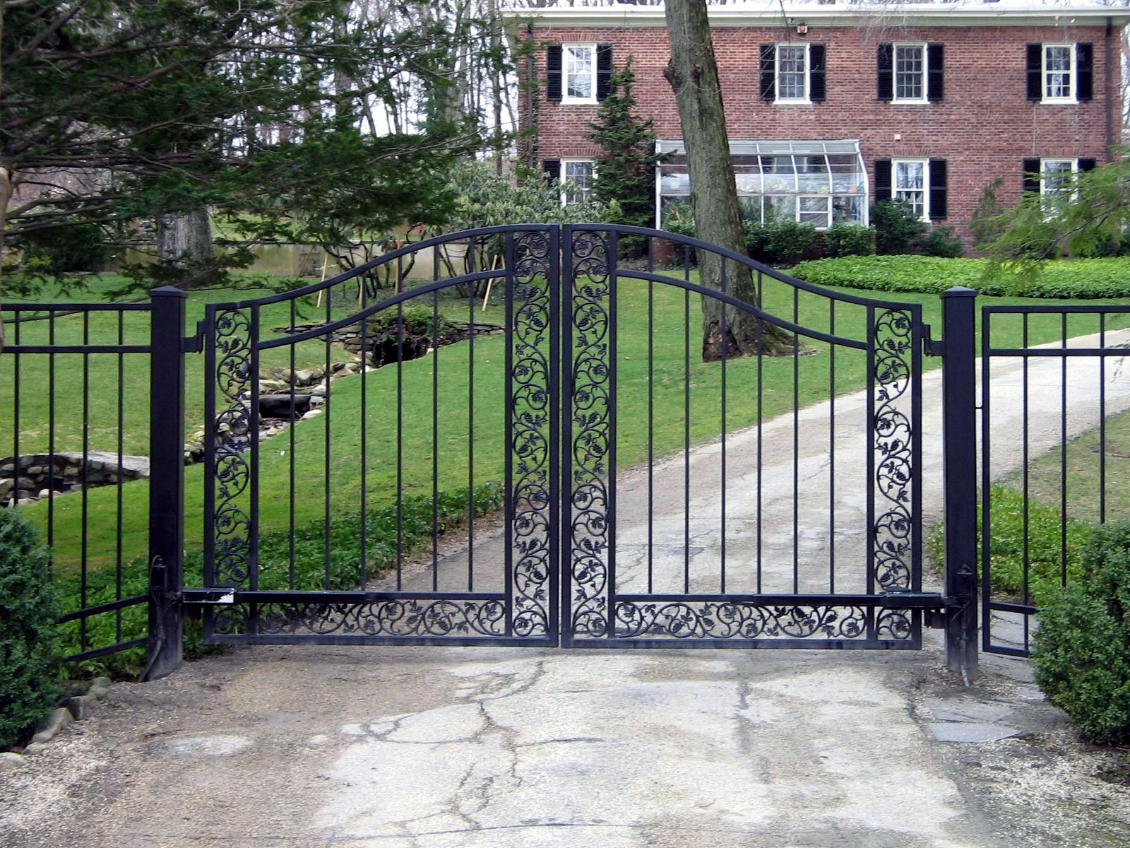 Custom designed driveway gates tri state gate for Aluminum gates for driveways