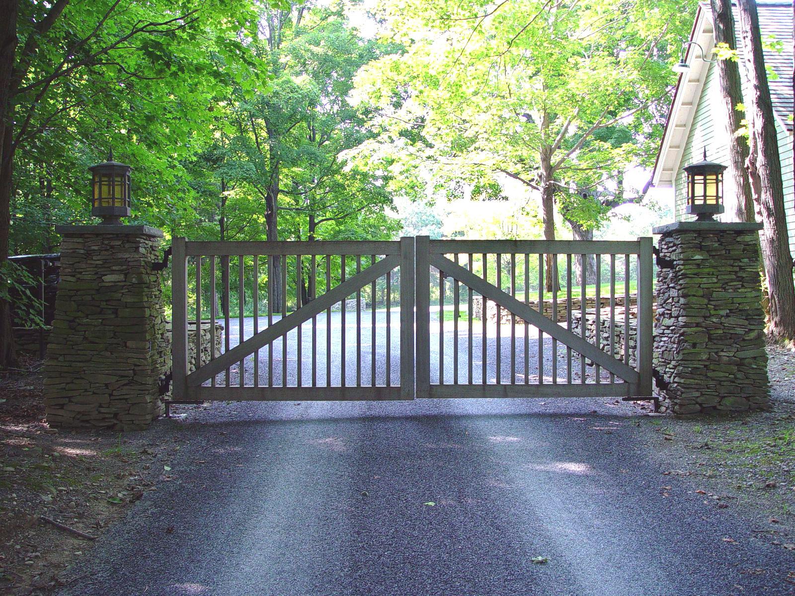 Wooden driveway gates tri state gate